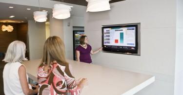 4 tecnologias de digital signage para diferenciar seus serviços da concorrência