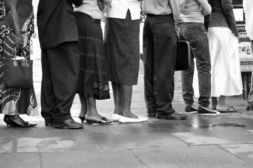 Digital signage com gerenciamento de fila ajuda a reduzir percepção de espera